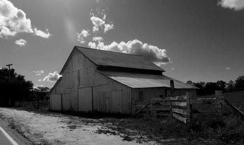 Barn near Raymond, CA