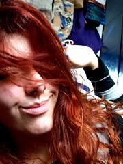 You're hot then you're cold (R. Priolli) Tags: blue red cores stripes redhair ruiva bluenails blackstripe greystripe cabelovermelho greennails unhascoloridas blueandgreennails