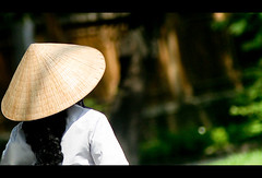 Any suggestion for the title? (Vu Pham in Vietnam) Tags: street travel lady asia southeastasia vietnamese candid streetphotography vietnam dailylife hue vu canoneosdigitalrebelxt indochina  hu   vitnam conicalhat hu dulch  nn  nnl huecity cucsng ngph conngi chu c thurathienhue kinh raininvietnam thnhhu commentwithimageswillbedeletedsosorryforthis