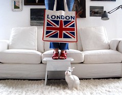 blimey, it's bench monday. (sfgirlbybay) Tags: bunny bench bag unionjack redwhiteblue sfgirlbybay backfromlondon benchmonday lastoftheblimeysipromise
