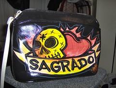 Sagrado (A Toda Muerte) Tags: bag dayofthedead purse handpainted diadelosmuertos bags bolsa purses bolsas mexicanfolkart mexicanart chicanoart handpaintedpurses handpaintedpurse pabloluna