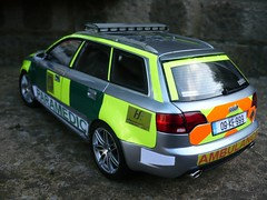 1:18 Irish Ambulance Service - Audi RS4 Rapid Response Car - Rear (alan215067code3models) Tags: irish 3 car code ambulance service audi rapid rs4 response 118