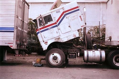 Camion descompuesto