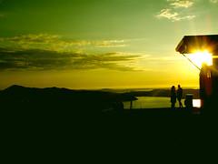 Fløyen (Ⅽecilie) Tags: blue sunset people sun black green sol water yellow norway clouds norge heaven himmel atmosphere romance noruega bergen gul solnedgang fløyen blå svart grønn stemning mennesker romantikk sjøskyer