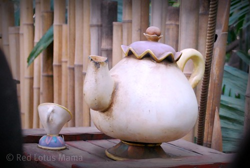 Mrs. Potts & Chip in Tarzan's Treehouse