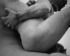 Le Centaure Nessus enlevant Déjanire (Yvan LEMEUR) Tags: blackandwhite bw sculpture paris art muscles statues nb corps tuileries noirblanc jardindestuileries centaure mythologie nessus marqueste laurenthonorémarqueste déjanire