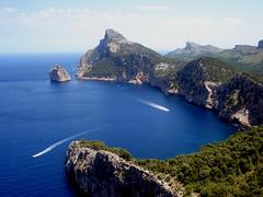 La sierra al mar (Gil-Cabrera) Tags: island spain mallorca isla cala baleares formentor