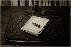 Quando si aspettano le messe (Angelo Casteltrione (Aka alterdimaggio1957)) Tags: bw dettagli