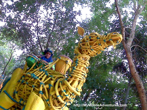 IMG01396-DAK-parade-woven-camel