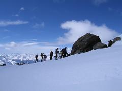 Preparativi per la discesa (d4niele) Tags: neve vaio scialpinismo adamello