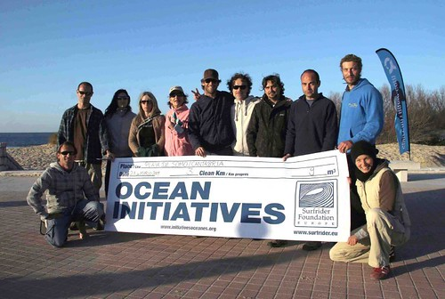 Limpieza de la playa de Somo  Marketing Digital Surfing Agencia