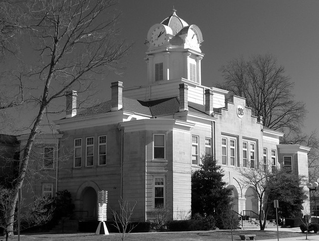 Cumberland Co. Courthouse 2: B&W