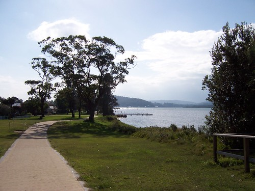 Blackwall foreshore bike path is finished