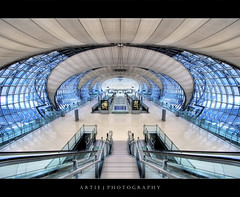 Suvarnabhumi Airport, Bangkok :: HDR (:: Artie | Photography ::) Tags: building architecture modern photoshop canon thailand airport cs2 bangkok wideangle structure symmetry handheld symmetrical 1020mm hdr artie 3xp sigmalens photomatix tonemapping tonemap 400d suvarnabhumi rebelxti suvarnabhumiairport shellstructure