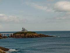 Faro de Ribadeo (pelz) Tags: espaa lighthouse geotagged faro island spain galicia isla ribadeo cantabrico islapancha dlmfoto geo:lat=43556299 geo:lon=7041583