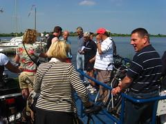 Who pays the ferryman? (driek) Tags: people ferry waterland mensen holysloot veerpont gezelligedrukte