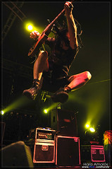 NOFX @ Groezrock 2009 (Hara Amorós) Tags: show music festival rock scott photo jump jumping concert nikon eric punk foto belgium photos live concierto group livemusic band fotos musica 1750 punkrock grupo salto musik melvin tamron belgica 2009 f28 nofx hara directo ericmelvin d300 skatepunk gestel meerhout groezrock livephotography hardcorepunk melodichardcore livemusicphotography groez tamron1750 tamronspaf1750mmf28xrdiiildasphericalif amoros nikond300 haraamorós haraamoros tamronspaf175028xrdiii lastfm:event=760328 groezrock2009 ericscottmelvin