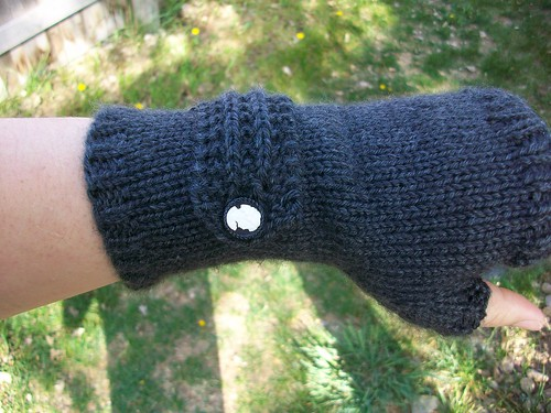 Fable Mitts by mintlatte