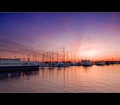 Sunset at Liberty Harbor Marina (DP|Photography) Tags: sunset jerseycity piers boardwalk sailboats exchangeplace lowermanhattan boardwalks sigma1020mm downtownmanhattan beautifulskies newyorkdowntown debashispradhan dpphotography libertyharbormarina libertyharbour sunsetonboardwalks dp|photography