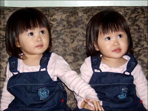 3333061992 bd4788f58b - ~* Cutties Twins In The World *~