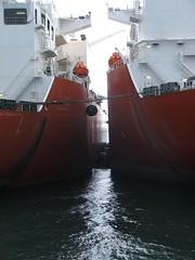 2007_0122hogmanyandtanker0024 (Kellydrever1) Tags: sea water orkney ship lpg scapaflow shiptoship
