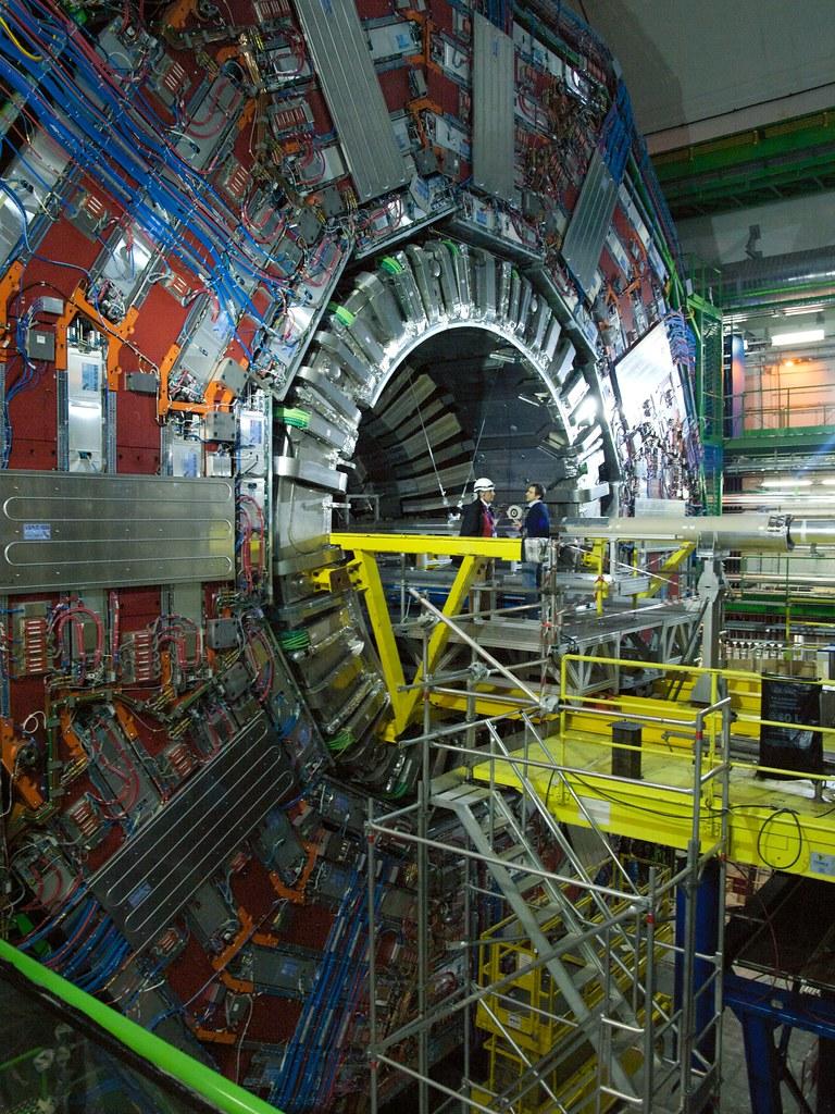 CERN Colisionador de Hadrones
