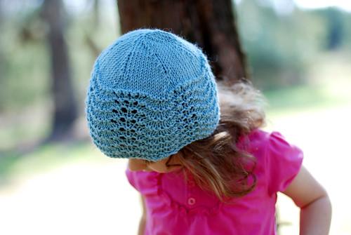 v blue hat 001