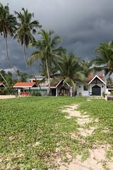 Urawatta (Gwenal Piaser) Tags: beach march angle wide wideangle tokina srilanka ceylon plage 2009 1000 116 atx ambalangoda ceylan 1116mm proudshopper unlimitedphotos tokina1116mmf28 tokinaaf1116mmf28 atx116prodx gwenflickr