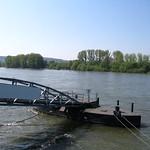 Schiffsanleger am Rhein bei Linz thumbnail