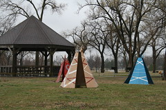 teepee's! (Sarah Elaine Photography) Tags: park toys gazebo nativeamerican kansas teepee hutchinson teepees