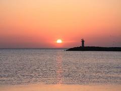 090423288xc anakkale - Gelibolu - Kabatepe - gnbatm (sunset) (galpay) Tags: sunset sky cloud sun lighthouse clouds turkey sonnenuntergang trkiye wo