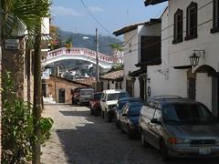 Gringo Gulch (Jasperdo) Tags: street bridge building cars architecture mexico footbridge cobblestone vehicles puertovallarta richardburton elizabethtaylor gringogulch thenightoftheiguana