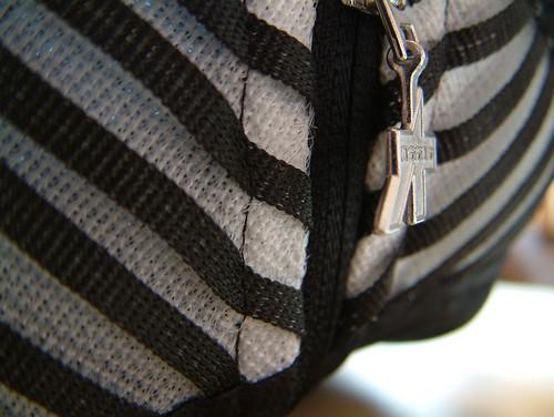 Assos elementZero - collar detail