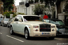 Rolls-Royce Phantom (Jeroenolthof.nl) Tags: uk england bw white black london beautiful car modern photography grey lights is amazing nice movement jeroen nikon view shot britain united rear great d70s kingdom rollsroyce automotive 45 east explore arab londres gb if paparazzi rolls lovely middle nikkor phantom zwart wit londra coupe exclusive royce engeland doha qatar londen zw 1870 f35 automotion olthof drophead wwwjeroenolthofnl jeroenolthofnl jeroenolthof