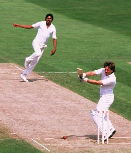 Ian Botham eats Kapil Dev for breakfast and dessert-India vs England 3rd test Oval 1982