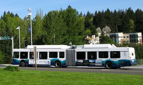 Sound Transit Route 522 on 2008 DE60LF