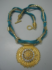 """Colar Turquesa (""""De Tudo Um Pouco - Arte e Brilho em Suas Mos!"""") Tags: bijoux colar colares fundio strass bijuterias camura bijouterias courotranado"""