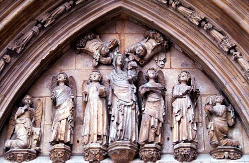 maria-holding-jesus