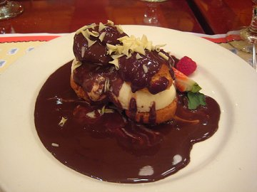Profiterolles au Chocolat at Chefs de France