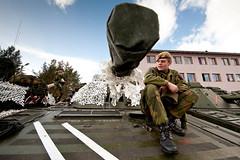 MPE-0879 (Marius Pettersen) Tags: skjold bn2 soldater menig cr09 cv90 2bataljon coldresponse2009 menigtusvik