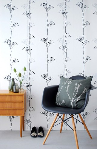 black wallpaper room. Berry Black wallpaper