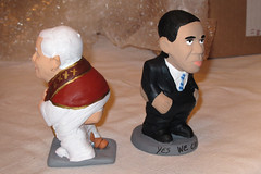 Pooping Ceramic Sculptures of the Pope and Obama