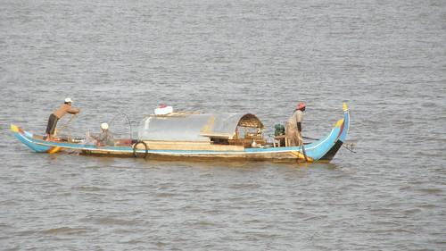079.洞里薩河(Tonle Sap)上的小船