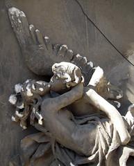 Fragilidad (Bellwizard) Tags: barcelona cemetery angel cementerio montjuc ngel cementiri ngel
