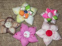 Fuxico gordinho (Mar de flores) Tags: flowers flores fuxico yoyo fux croche fuxicos fuxicando crochetando fuxicaria fuxic