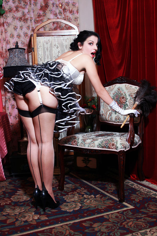 petticoat_seamed_stockings