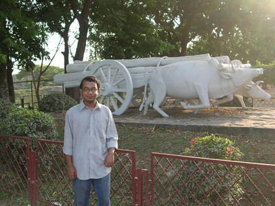 In front of the Bulls, the symbol of Struggle