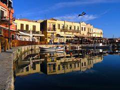 Rethymno: old harbour  reflections (Theophilos) Tags: sea reflection boats harbour greece crete rethymno oldharbour κρήτη ελλάδα θάλασσα λιμάνι αντανάκλαση ρέθυμνο παλιόλιμάνι βάρκεσ olétusfotos