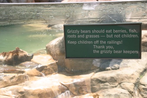 clever zoo sign by The Wu's Photo Land