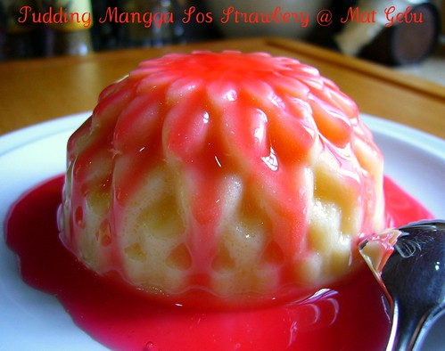 Pudding Mangga Sos Strawberry
